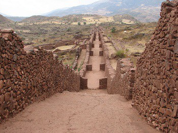 The Wari culture flourishes in modern-day Peru