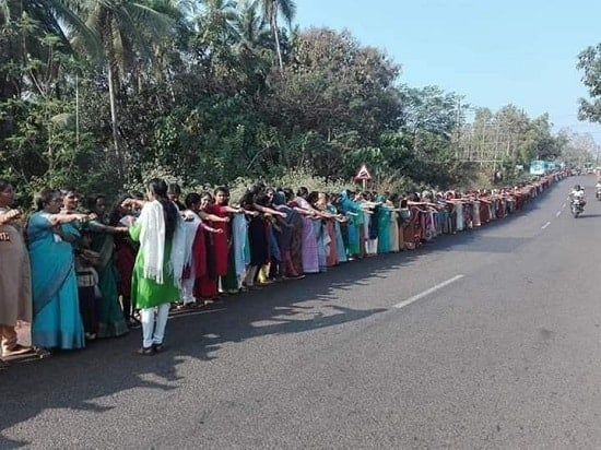 5 million Indian women just made a 385-mile human chain for gender equality