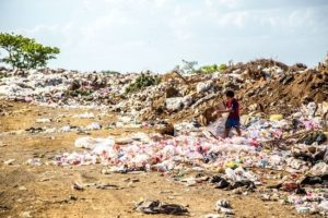 UK businesses commit to remove eight €œproblem plastics€ by 2020