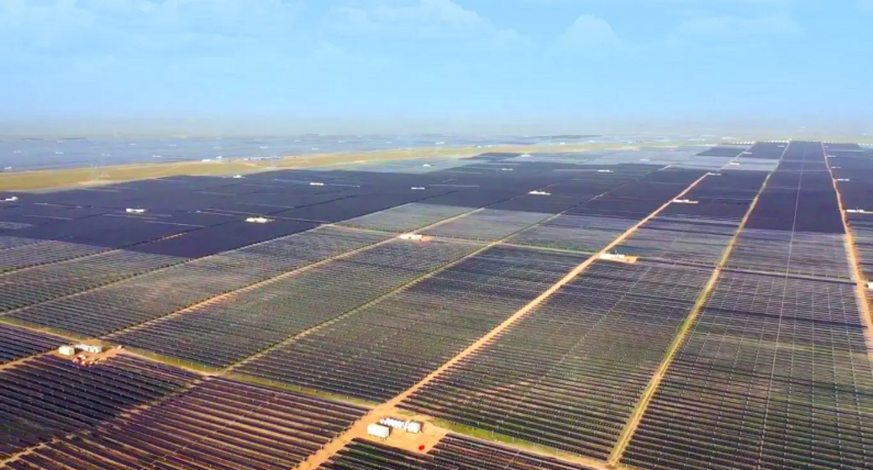 World's largest solar plant goes online in China