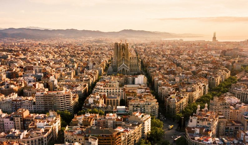 Barcelona will give 21 downtown streets back to pedestrians and cyclists